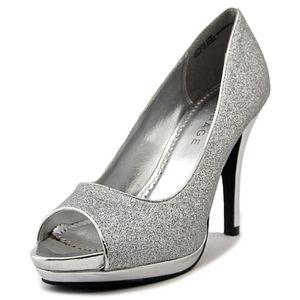 NWB Gracee Silver Sparkle Peep Toe Pumps